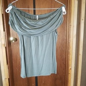 Active USA off the shoulder blouse L